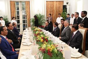 Prime Minister Lee Hsien Loong addressed leaders and delegates from Asean's 10 member states at a working dinner at the Istana April 27, 2018, as part of the 32nd Asean summit.