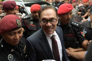 Former deputy prime minister Datuk Seri Anwar Ibrahim arriving home after leaving Cheras Rehabilitation Hospital at 11.30am on May 16, 2018.