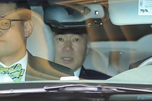 Sung Kim US ambassador to the Philippines, leaves a downtown hotel in Seoul, South Korea, on May 30, 2018.