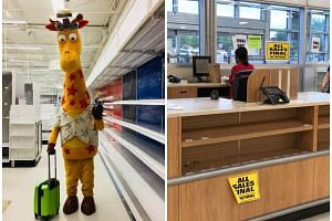 The photo of Toys 'R' Us mascot Geoffrey the Giraffe leaving an empty store has gone viral, after the company closed all of its stores in the United States on June 29, 2018.
