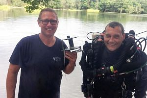 Dr Craig Challen (right) is a close friend and dive partner of Australian anaesthetist, Dr Richard Harris.