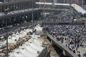 Muslims from across the world gathering in Mecca in Saudi Arabia for the annual six-day pilgrimage. Two health scares at US airports involving inbound flights are related to pilgrims returning from the haj.