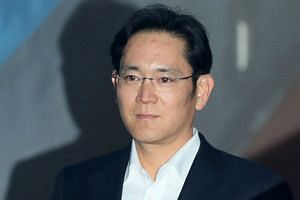 Samsung's Lee Jae-yong and the leaders of several other South Korean conglomerates will go to Pyongyang this week for an inter-Korean summit.