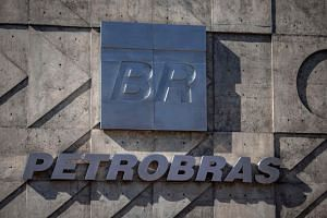 United States and Brazilian authorities have fined Brazil's oil giant Petrobras more than US$853 million for paying bribes to Brazilian politicians and political parties.