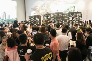 The crowd at the JadeScape showflat during its sales launch on Sept 22, 2018.