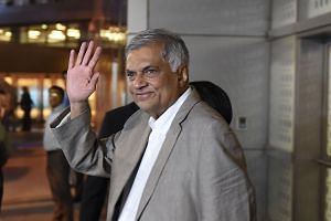 Mr Ranil Wickremesinghe has continued to occupy Temple Trees, the official residence of the prime minister, and insisted in a letter to Sri Lanka's President Maithripala Sirisena that he was still in office.