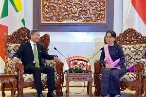 Minister for Foreign Affairs Vivian Balakrishnan and Myanmar's de facto leader Aung San Suu Kyi both agreed that the priority was to ensure that the displaced communities return in a voluntary, safe and dignified manner.