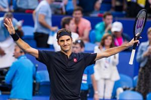 Federer aknowledges the crowd after defeating Alexander Zverev of Germany.