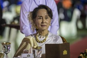 Myanmar leader Aung San Suu Kyi discussed insurgent attacks on police in a rare meeting with the military chief on Jan 7, 2019.