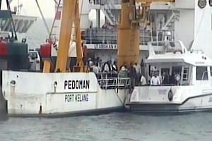 """Johor Menteri Besar Osman Sapian was reported as saying that he had the """"unofficial blessing"""" of Foreign Minister Saifuddin Abdullah to visit what Malaysia maintains is its territory under Johor Baru port."""