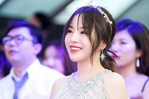 Blogger Mimeng, whose real name is Ma Ling, is known as China's
