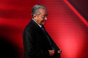 A recent statement by PAS stating that it will support Dr Mahathir in the event of a no-confidence vote, has fuelled speculation that a plot is brewing within Pakatan to oust Dr Mahathir.