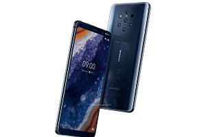Images said to be official renders of the Nokia 9 PureView smartphone.