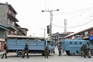 """Indian paramilitary troops in Srinagar in Kashmir this month. Sixty-eight per cent of the army's equipment is so old that it is officially considered """"vintage."""""""