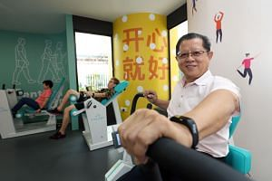 Gym Tonic is a strength-training programme aimed at improving the functional abilities of the elderly. It is carried out using air-powered equipment that is gentler on the joints.