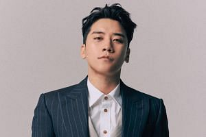 The Kakao Talk messages reportedly detail how BigBang singer Seungri told staff of his Burning Sun club to hook up VIP clients with prostitutes.