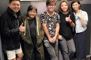 Local musician Tong Yek Suan (second from left) of performing group The ETC died on March 10, 2019.