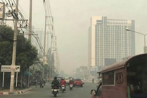 Alarm is rapidly replacing concern as the level of hazardous airborne PM2.5 particles in Chiang Mai soars past 500 micrograms per cubic metre (mcg/m³) in some places.