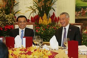 Prime Minister Lee Hsien Loong hosting Chinese Premier Li Keqiang to dinner on Nov 12, 2018, when Mr Li visited Singapore. Last year, Singapore also hosted visits by Vice-Premier Han Zheng and Vice-President Wang Qishan.
