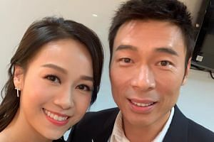 Andy Hui was caught on camera holding hands and kissing in the back seat of a taxi with TVB actress Jacqueline Wong.