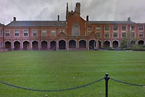 The Queen's University of Belfast is one of the six British schools which are no longer on the list of approved medical schools.
