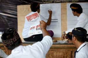 The commission received revote or voting extension requests from 2,700 polling stations in 31 provinces.