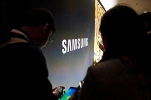 Smartphone and chip titan Samsung Electronics said that operating profit dived a worse-than-expected 60.2 per cent in the January-March period as sales also tumbled.