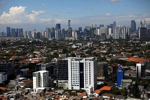In the past 30 years, Indonesia's capital Jakarta sank over 3m - a problem made worse as the world's great ice sheets melt. All coastal cities must face up to the reality of rising seas and plan and adapt to face the threat, says the writer.