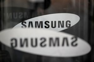 Samsung, the world's biggest smartphone maker, has been facing increasing competition from its Chinese rival, Huawei.