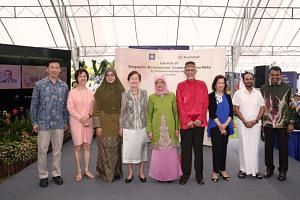 (From left) Minister for Education and MAS board member Ong Ye Kung, granddaughter of Tan Kah Kee Ms Peggy Tan, granddaughter of the late Adnan Saidi Ms Wan Shireen Sofia Zainuddin, sister of Ruth Wong Dr Wong Hee Ong, President Halimah Yacob and her