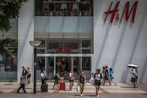 The move, which will take effect at all H&M stores from July 25, is part of a packaging strategy to reduce plastic use in the long run.