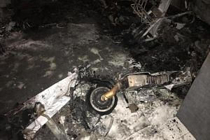The fire, which involved the contents of the living room, was extinguished using two water jets.