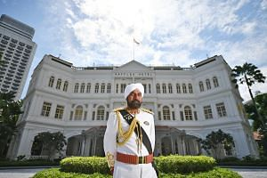 Be greeted by doorman Narajan Singh, who has been with the hotel since early 1992 and is Raffles Hotel's brand ambassador.
