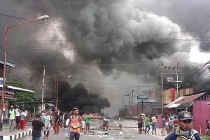Protesters took to the streets of Manokwari in Indonesia's West Papua province yesterday. They targeted the Parliament building after local representatives failed to condemn the use of violence by police in an operation in Surabaya, East Java provinc