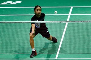 Singapore's Yeo Jia Min in action against Japan's Akane Yamaguchi.
