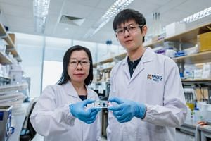 The new Sequence-Topology Assembly for Multiplexed Profiling (Stamp) technology was developed by Assistant Professor Shao Huilin (left), doctoral student Noah Sundah and their team from the NUS Institute for Health Innovation & Technology.