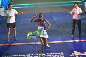 Joshua Kipkorir of Kenya winning the Standard Chartered Singapore Marathon 2019.