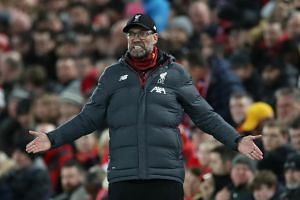 Liverpool manager Jurgen Klopp said he will not allow his players to get distracted by the prospect of setting new benchmarks.