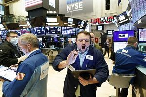Traders on the floor of the New York Stock Exchange. While much of Asia is healing, the worst could be yet to come for Europe and the Americas. Incoherent and uncoordinated policy approaches to disease management have seen the US overtake China and I