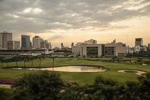The golf quarantine is the latest effort by the Thai authorities to woo foreign travellers.