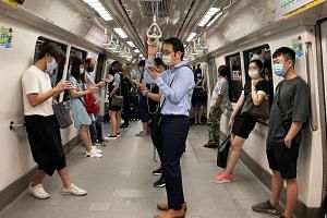 No noticeable drop in crowds was observed on public transport on May 5, 2021.