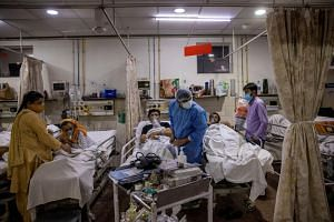 Patients suffering from Covid-19 at a hospital in New Delhi on May 1, 2021.