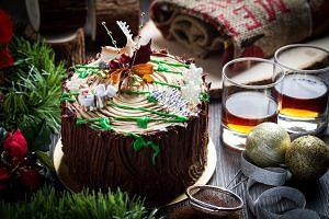 Christmas Stump Cake from Old Seng Choong.