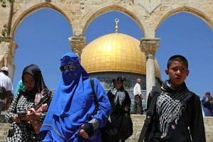 Trump sparks Mideast fury with Jerusalem embassy plan