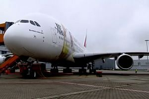 Airbus wins Emirates deal for A380 jets