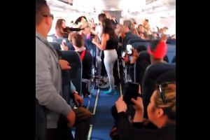 "Passengers Fight On Flight Over Boom Box ""SPIRIT AIRLINES""   5 Womens Brawl On Flight Full Video"