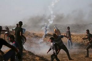 Israel and Gaza militants agree to ceasefire