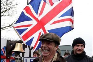 Arch-Brexiteer Nigel Farage leads 'betrayal' march