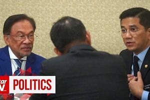 Anwar-Azmin coffee meet get tongues wagging