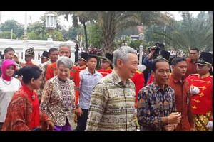 PM Lee Hsien Loong arriving at Wisma Perdamaian